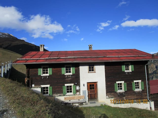"Walserhaus "" Althus"" in Gün, Safiental GR"