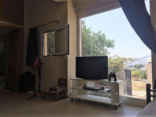 Sunny Private Studio in northern Chalkida
