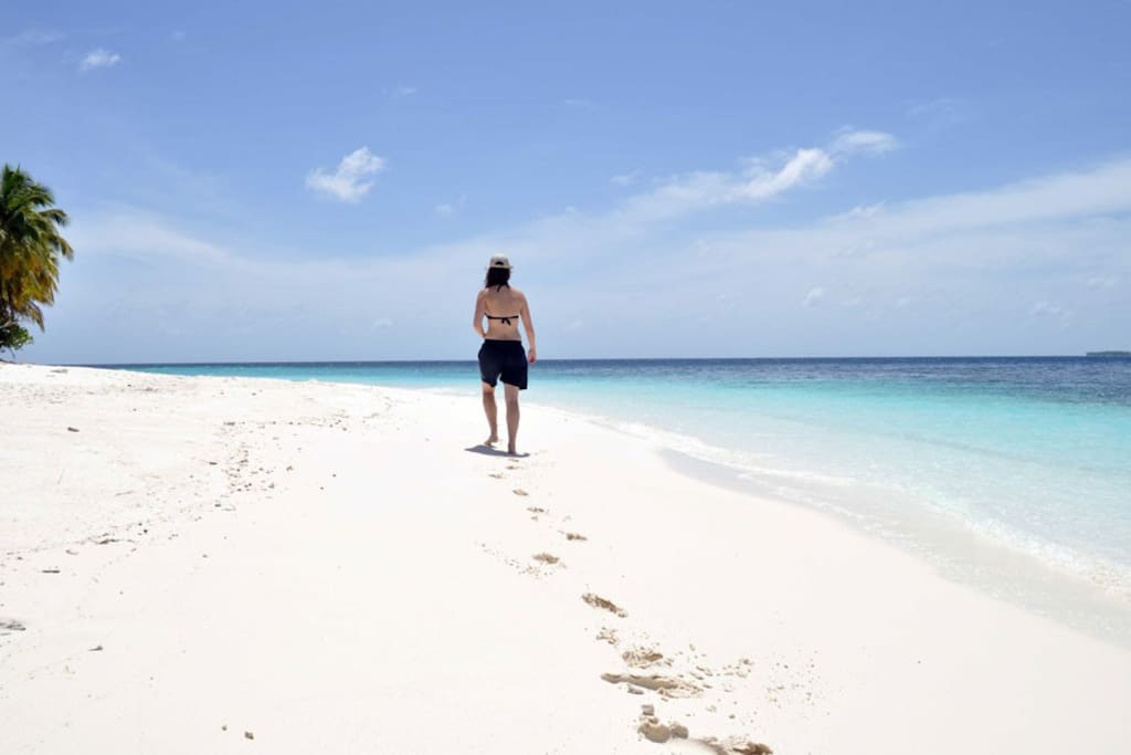 Feel the white sandy beaches of Maldives