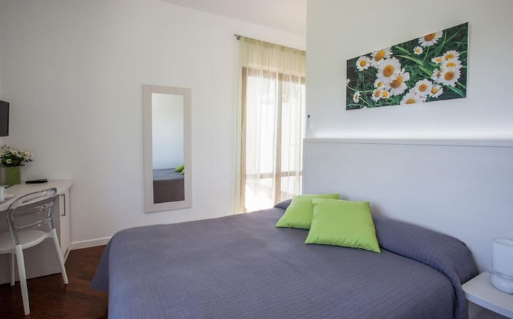 Double bedroom, panoramic terrace, relax