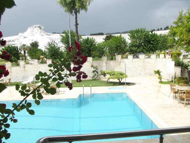 HOTEL HAL-TUR Double Room with Garden View