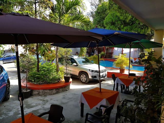 Apt de 2 Chambres & car rental  Subaru @usd 75/day