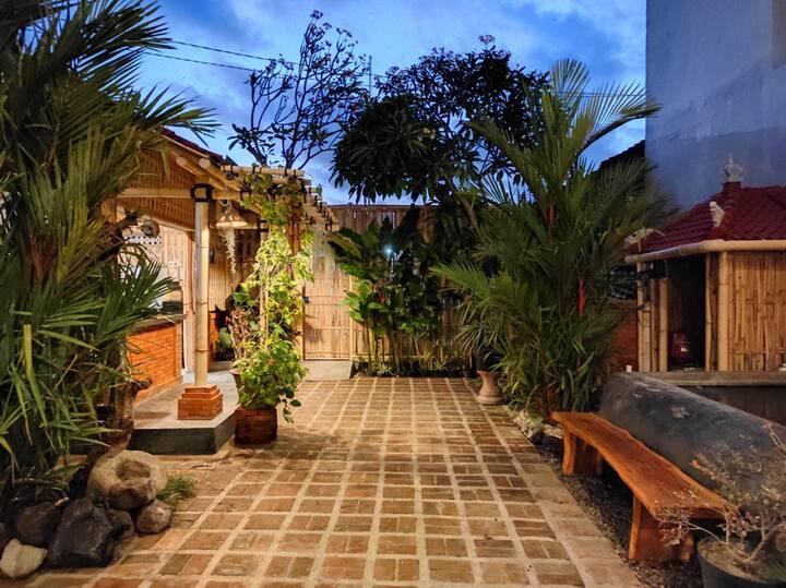 Kubu Di-Kayla's Guest House