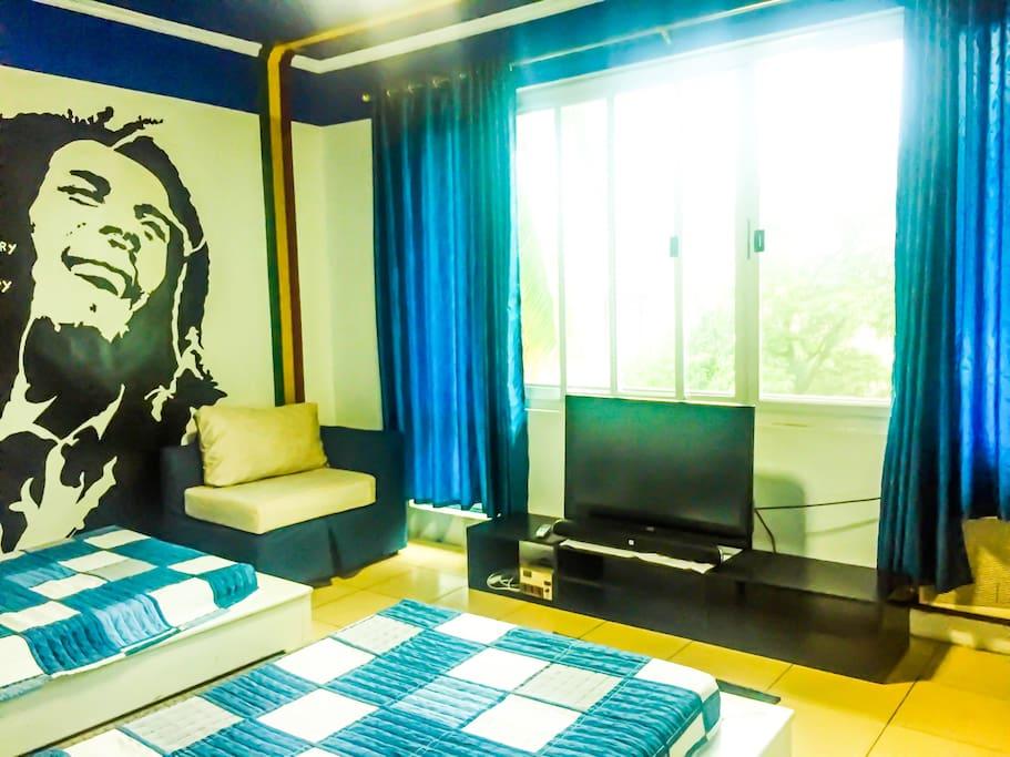 Personal room TV set