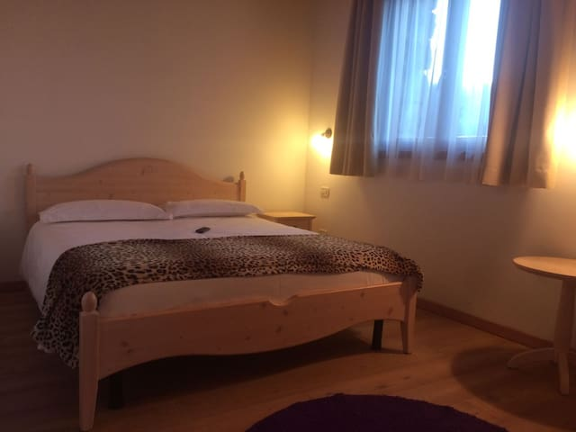 Room Casale, Maso Caiano in the Dolomites - Vigo Lomaso