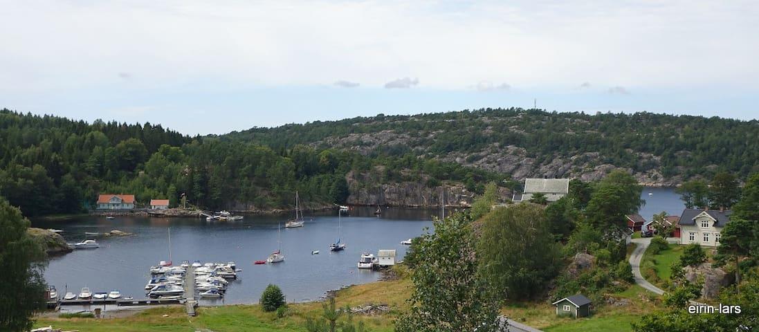 Idyll ved sjøen i Sponvika - Halden - Lakás
