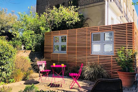Camden Garden Studio * private entrance * en suite