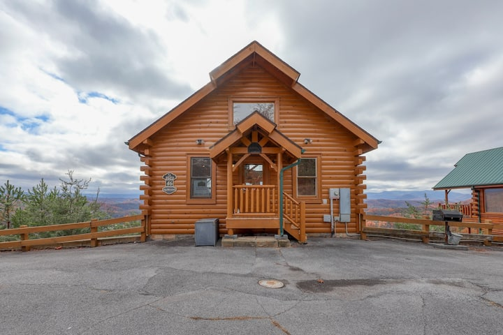 Dog-friendly cabin with private hot tub, shared pool, & amazing mountain views!