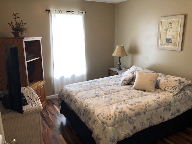 Private room in Greer #3 near GSP airport/BMW