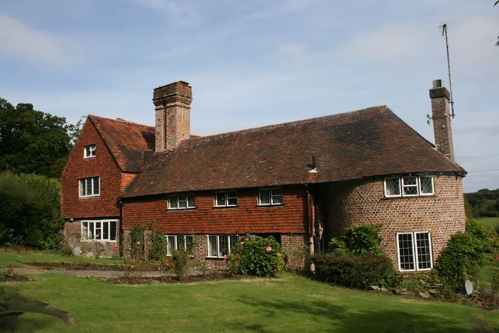 Old Birchden Farm - Groombridge - House