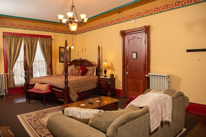 Presidents Suite - Spencer House Bed & Breakfast
