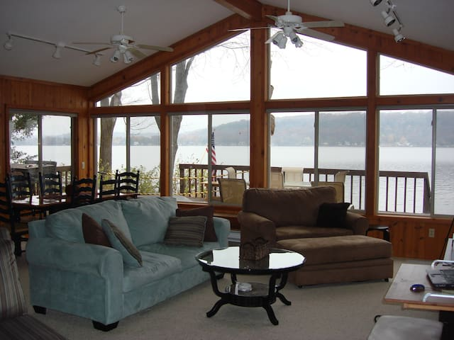 Water's Edge - 3BR Near Dells on Lake WI - Poynette - Casa