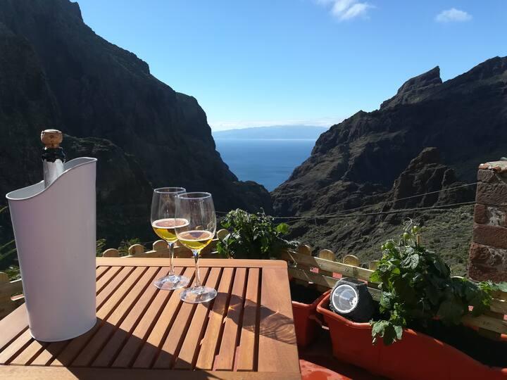 Relax, Trekking & Amazing views in Masca-Tenerife