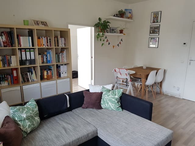Bright apartment in the green - child-friendly!