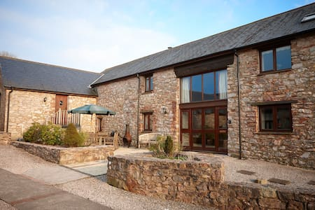 Spacious barn conversion with shared indoor pool - Ipplepen - Ev