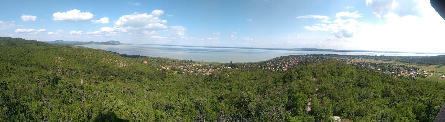 Zicht op Balatonmeer / view of Lake Balaton / Blick auf den Plattensee
