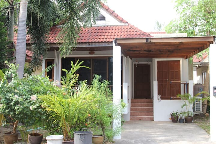 2bed home only 10 minuets to beach - Kammala - Ev