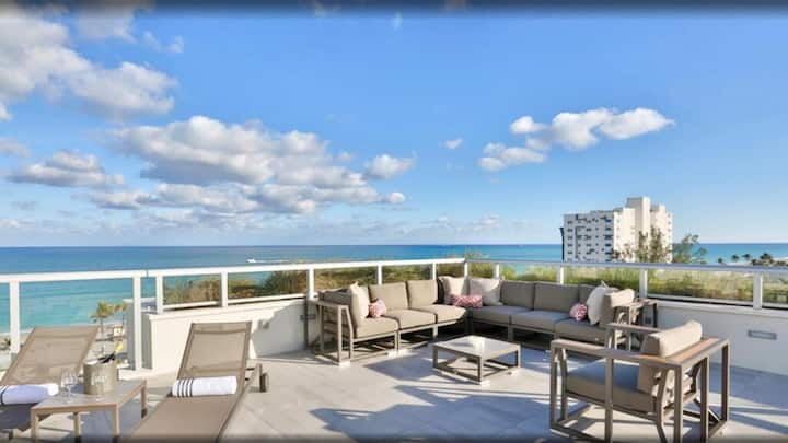 Executive One bedroom corner unit with ocean view