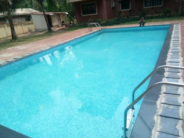 2BR apartment with pool near Calangute beach