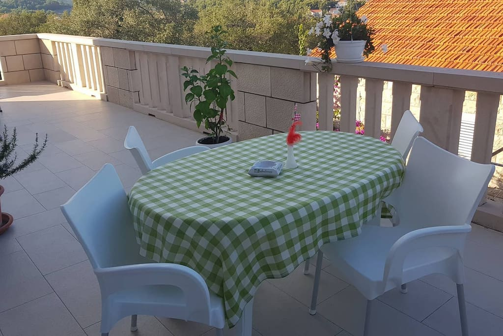 terrace - table for 4 persons