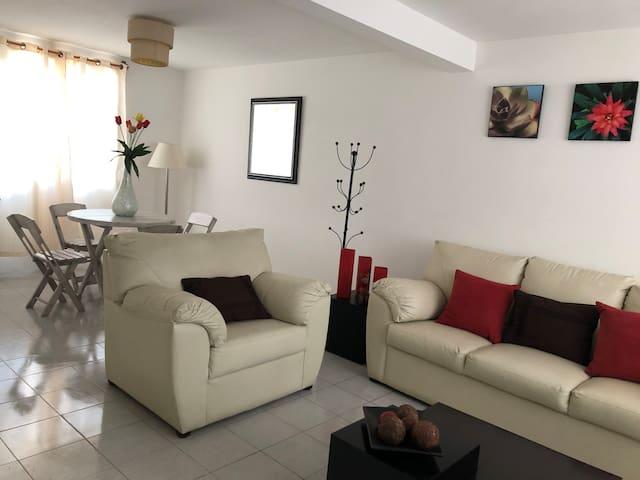 Bonita Casa en privada con Vigilancia 24hr/WIFI/TV