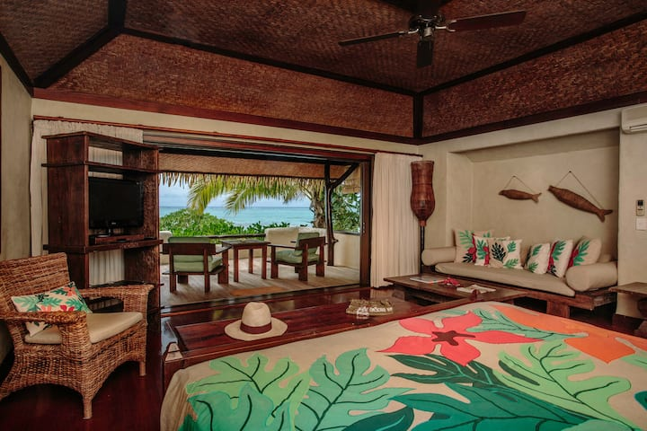 5 Star Premium Beachfront Bungalow