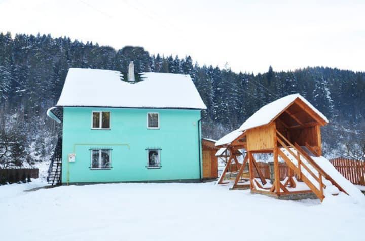 """Apartments """"Dzherelna"""""""