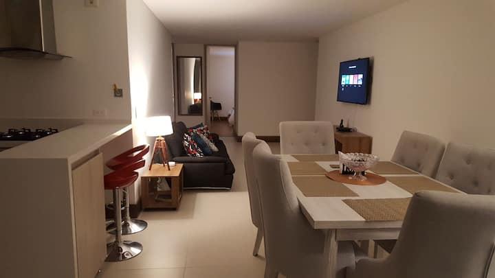 Lujoso y equipado apartamento con magnífica vista.