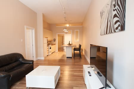 NewCaptivating 1 bdr apt in OldMTL! - Montréal - Lakás