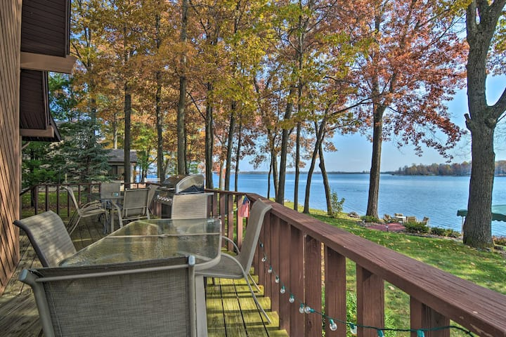 Dream Cottage w/ Sandy Beach, Dock, Pontoon Rental