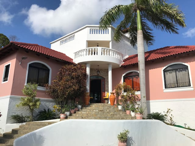 Villa la tortuga, La mulata 1