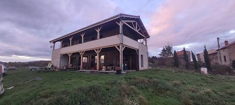 Grande maison à la campagne avec très jolie vue
