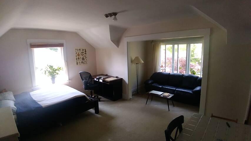 Private Suite in Kitsilano