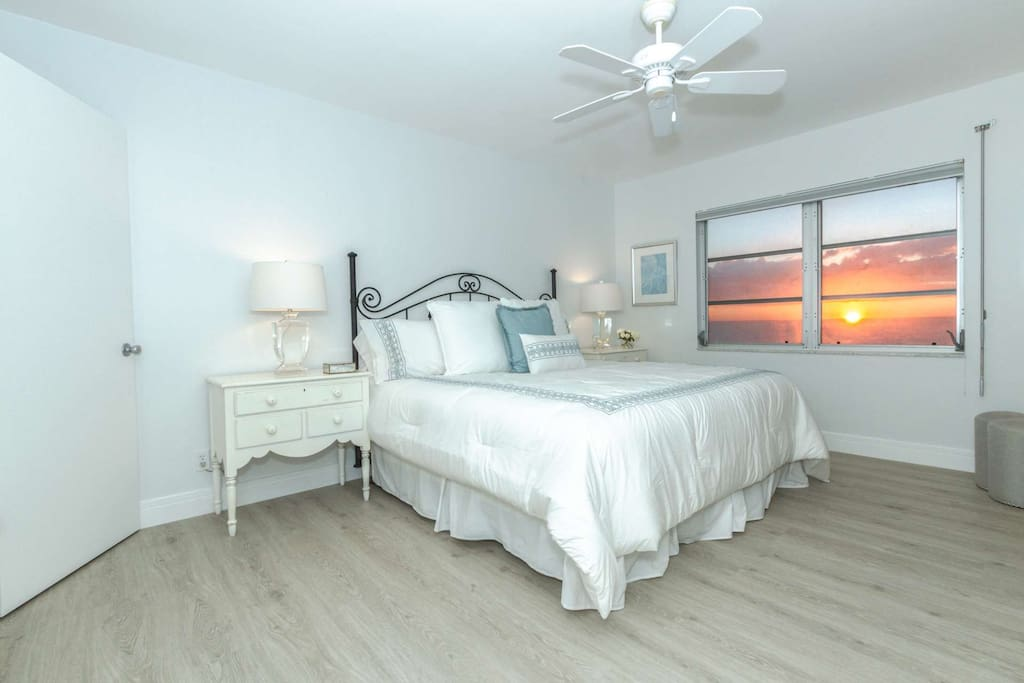 Master suite (king bed) with breath taking views from your bedroom window.