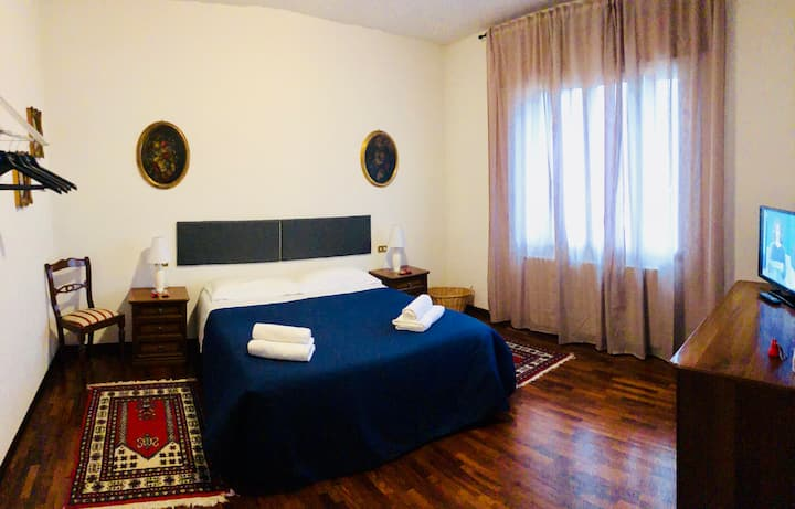 CAMINHOUSE - private room in Padova