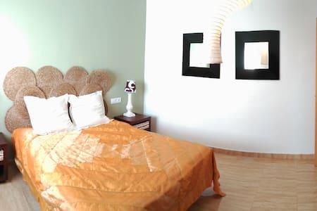 Casa en Ibi, maison a Ibi, house in Ibi (Alicante) - Ibi - アパート