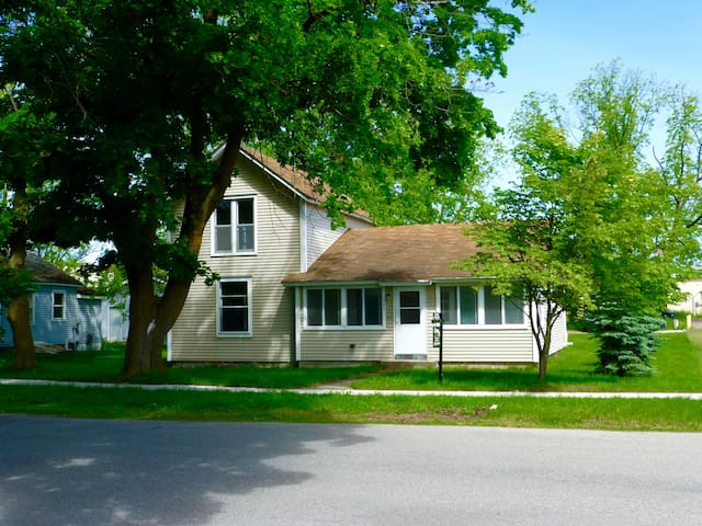 104 Taverse, Elk Rapids NEW RENTAL - Elk Rapids - House