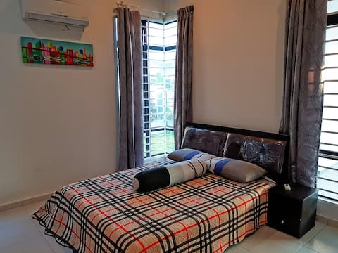 PRIVATE ROOM FOR 2 + WIFI & SMART TV
