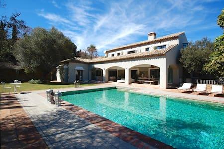 Exclusive villa for holiday rental, Sotogrande - San Roque - Villa