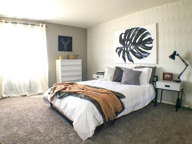 Master Suite with Attached Bath - Close to Airport