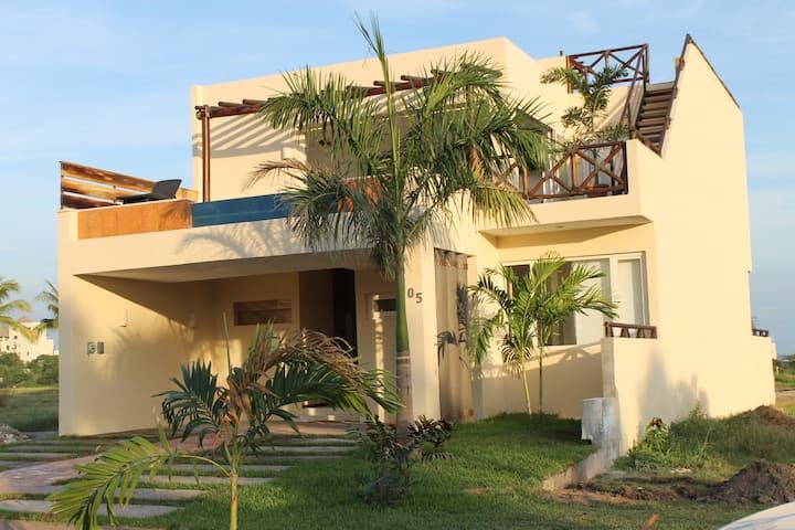 Villa B nayar 105, beach club