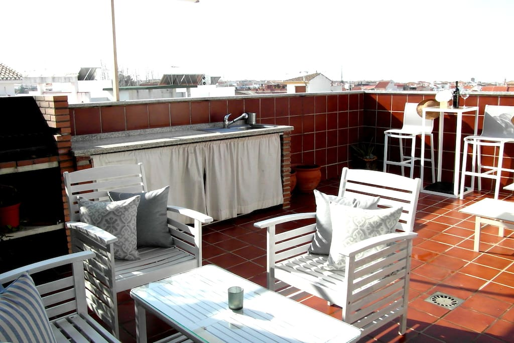 PRIVATE FULL EQUIPED TERRACE