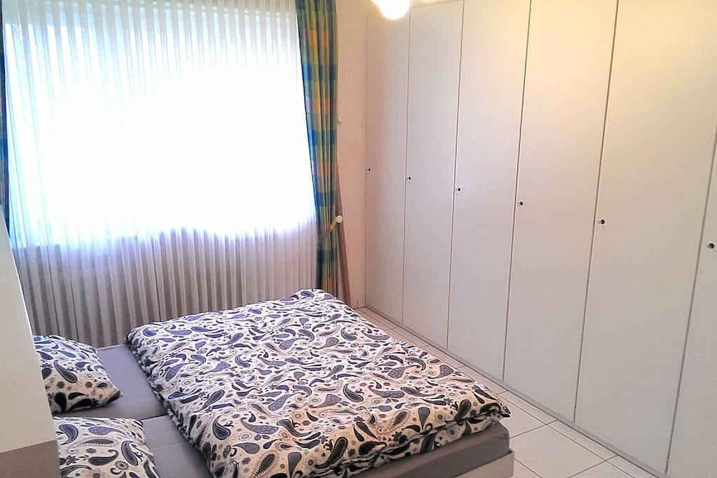 Schlafzimmer, 2 Einzelbetten 90 x 190