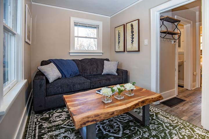 Cozy Carriage House | Walk to UNC | +  Free Bikes