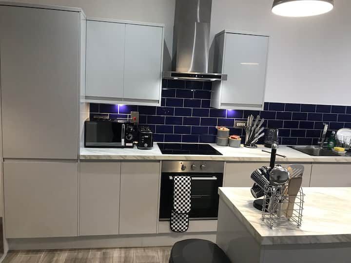 Large Luxury Penthouse in Doncaster Town Center