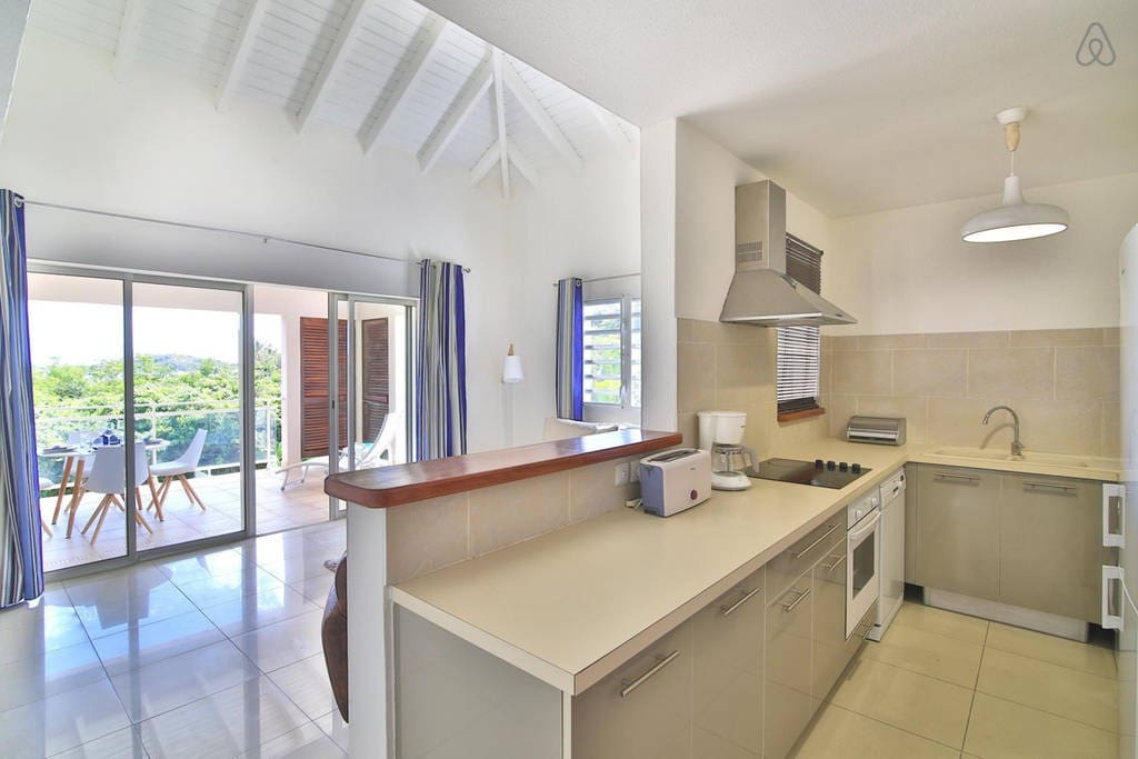 Nice 1 Bedroom close to pinel Island and beach