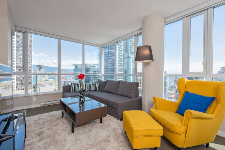 THE CITY CENTER SUITE IN THE SKY 2BR+2BA+PARKING
