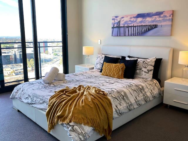 Luxurious 2BR Apartment In The ❤️ Of Perth City