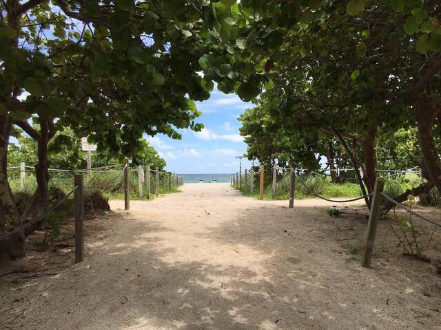 Nice apartment from the ocean - Surfside - Apartament