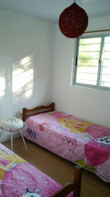 Segundo dormitorio con 2 camas de 1 plaza